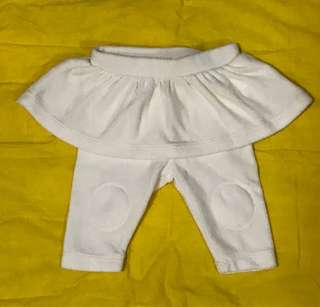 Baby skirt leggings 0 to 3 months used once