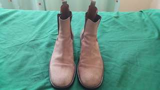 Gucci Suede Chelsea Boots