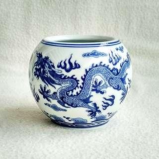 "Mid 20th Century Chinese ""Qianlong Nian Zhi"" Blue & White Dragon Ceramic Jar"