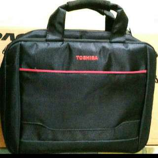 Laptop bag, can use for tablets.