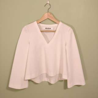 White bell sleeve top | Milk & Honey | Size 6