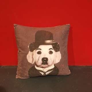 卓別林狗抱枕