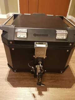 DRZ Kventure box comes with base plate, bracket & backrest.