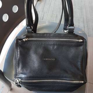 AUTHENTIC GIVENCHY PANDORA SMALL GOAT SKIN