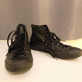 Black Leather Converse Chuck Taylor's Hi Tops | 7.5 size 41