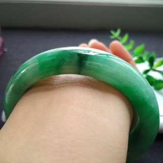 🍀(56.7mm) Grade A 水润 Green Floral Jadeite Jade Bangle🍍