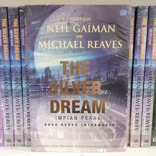 Buku Novel oleh Neil Gaiman Penulis Bestseller - The Silver Dream