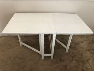 White foldable dining table