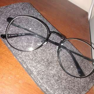 Fake eyewear