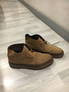 Rarely Used Clarks Chukka Boots