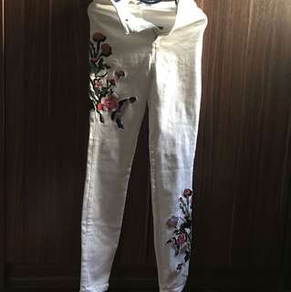 Authentic Topshop Highwaisted Embroidered Skinny