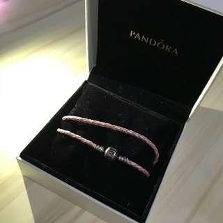 Pandora 粉紅色皮帶