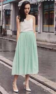 fashmob bridge opera tulle maxi skirt in apple mint