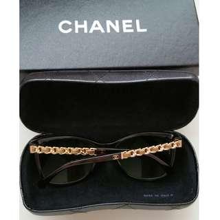 Chanel Sunglass in Classic Chain design. BRAND NEW. AUTHENTIC.