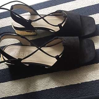 Korean lace up black sandals with gold heel