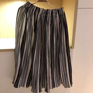 [三件500](含運)二手 流沙線條壓摺過膝褲裙