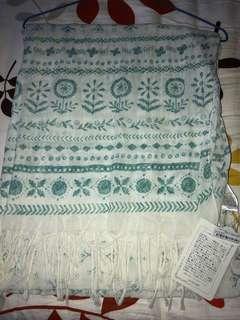 白 色 棉 質 民 族 頸 巾