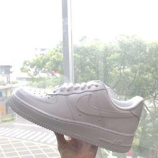 🚚 Nike Air Force 1 '07