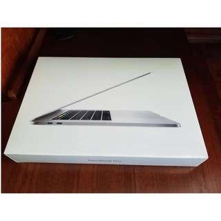(2017) MacBook Pro 15 retina 銀色 Retina顯示器  touch bar 保固內
