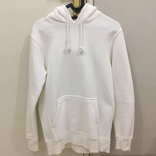 White Hoodie Pull and Bear