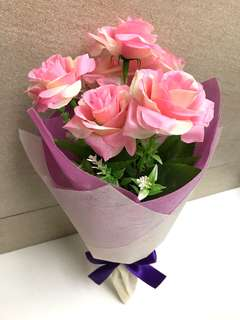 Mother's Day Pink Artificial Roses Hand Bouquet