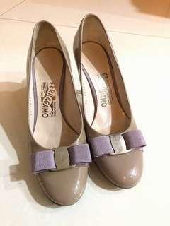 Ferragamo mauve heels
