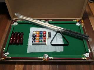 Mini billiard table complete