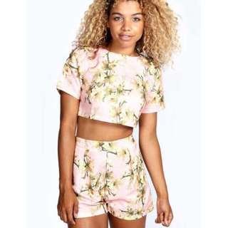 Boohoo - Elana Floral Print Jacquard Texture Shorts - Size AU 6, XS
