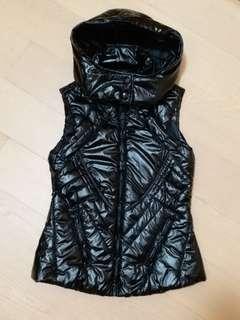 黑色夾綿連帽背心外套 Zara Black quilted vest jacket