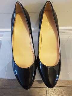 Cole haan- black heels size 8.5