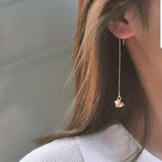 Elegant flower with pearl earring strings