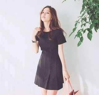 Minimalist Pleated Dress (KR073767)