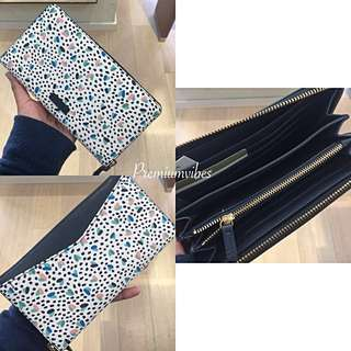 💯 Fossil Large zip clutch