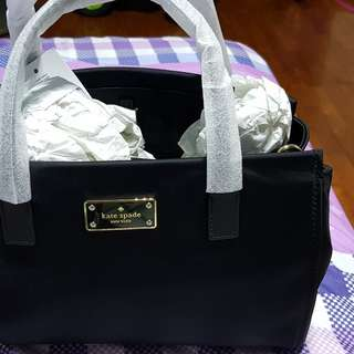 Brand new authentic kate spade bag for sale