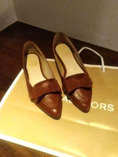 蝴蝶結平底尖頭鞋