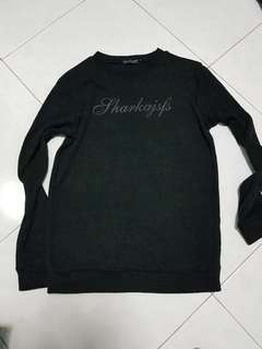 Long sleeve black t shirt