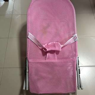 Baby mesh rocker / bouncer