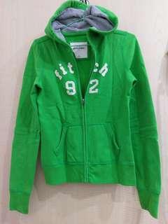 🚚 A&F 翠綠色外套