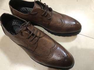 全新英倫商務男皮鞋 37男碼 漸變啡色