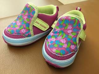 Toddler shoes (Dr Kong brand)