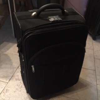 22吋行李箱 (ELLE)