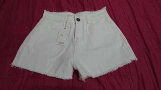 全新白色牛仔短褲(M)-轉賣Pinkoi