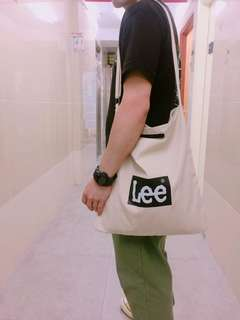 Lee斜揹袋