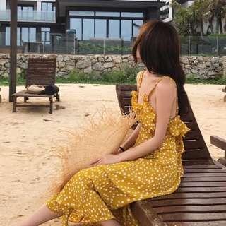 黃色點點細肩露背長洋裝