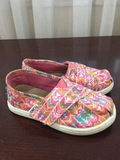 Preloved TOMS for Little Girls Size T8 (insole 16cm)