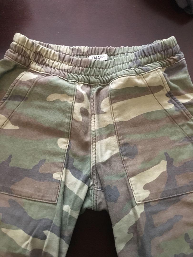 Aritzia/TNA camo pants