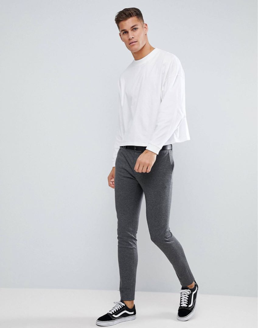 c6a7352b30beb0 ASOS Oversized Long Sleeve T Shirt with Cropped Length, Men's Fashion,  Clothes on Carousell
