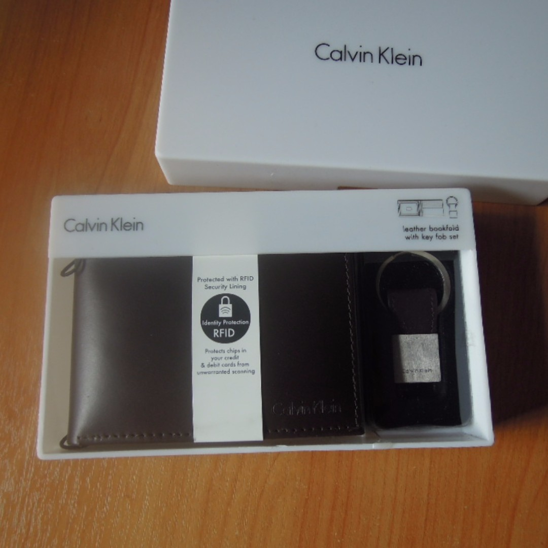 437b896e765b2 AUTHENTIC Calvin Klein Men s Leather wallet RFID blocking with Key ...