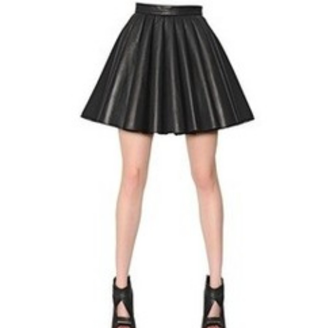 bc368ddfd5 Charlotte Russe Faux Leather Pleated Skirt, Women's Fashion, Clothes ...