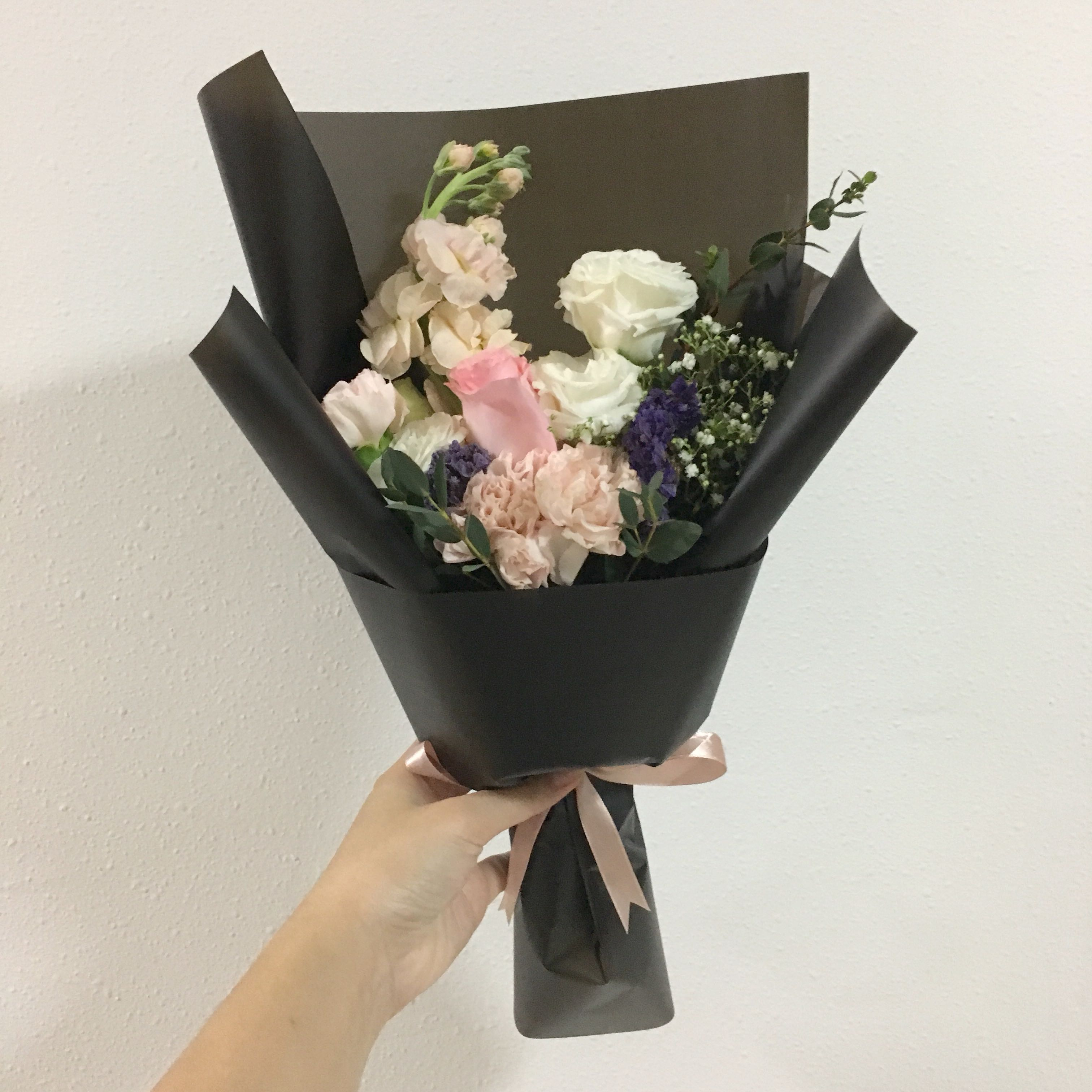 Flower bouquet in pink roses pastel theme with baby breath flash photo photo photo izmirmasajfo